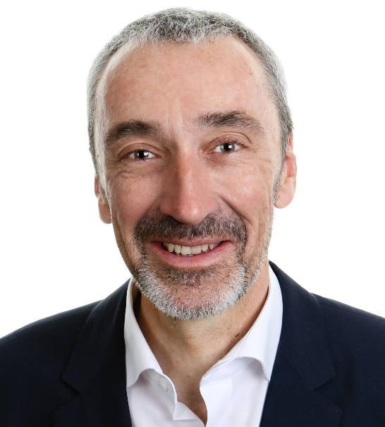 Consultant chez Vallat Partenaires, ancien Directeur Général de l'Établissement Cantonal d'Assurances (ECA), canton de Vaud, certifiée EQUAL-SALARY.
